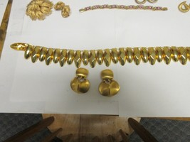 Costume Jewelry , Vintage , Unique Shell Design , Necklace , Earrings  - $44.55
