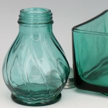 Jeanette Ultramarine Depression Glass Swirl Single Shaker - Correct Lid for Salt image 4
