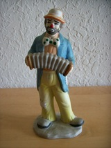 Emmett Kelly, Jr. Accordian Player  - $15.00