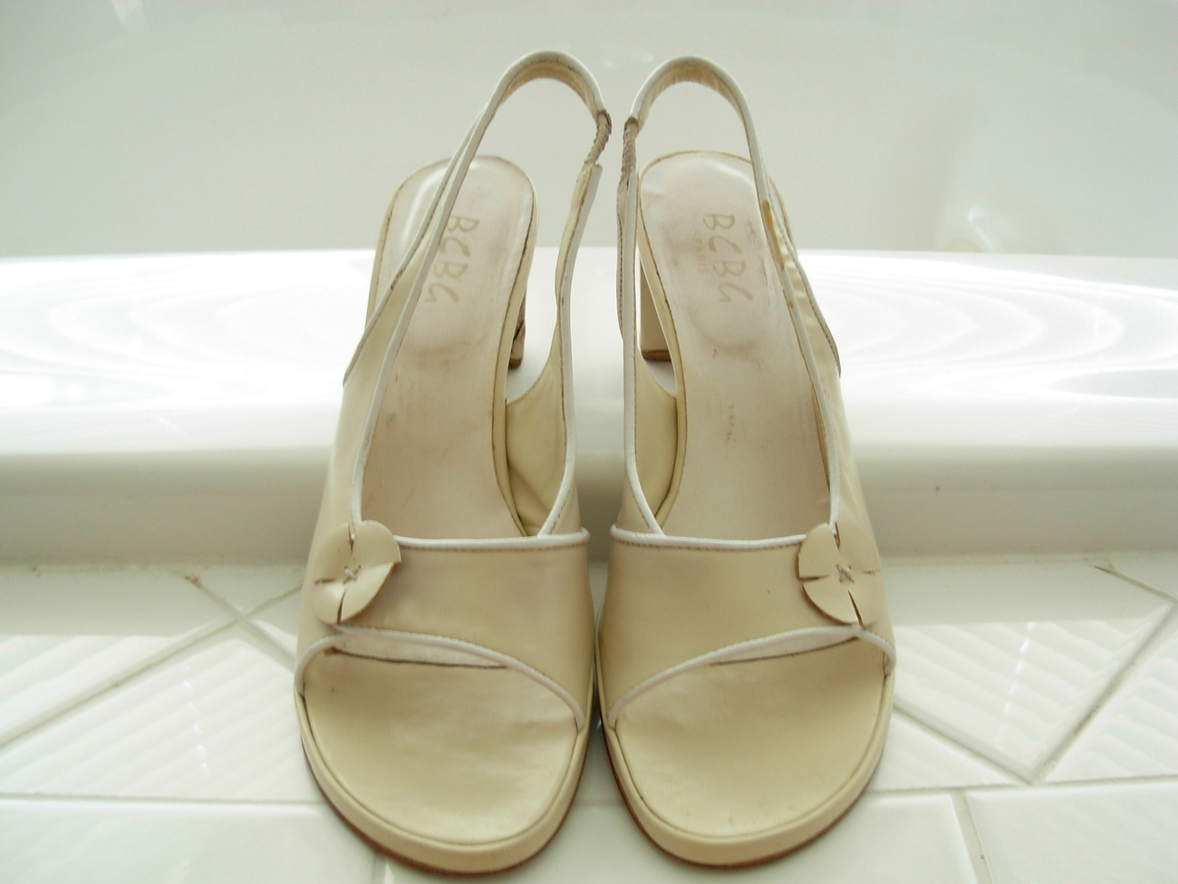 BCBG CREAM COLOR FORMAL WOMEN'S HEELED SUMMER SHOES