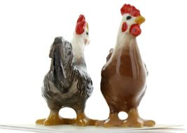 Hagen Renaker Miniature Chicken Leghorn Black Rooster & Red Hen Set image 7