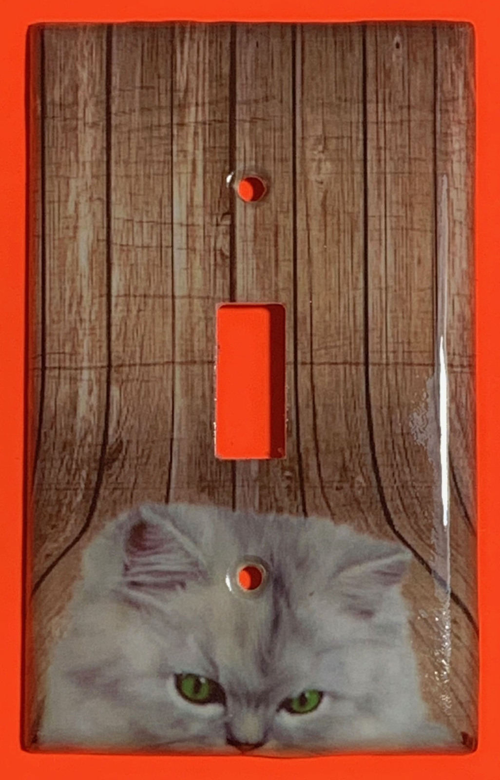 Pretty white cat wood single toggle
