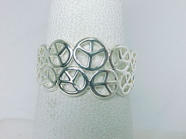 PEACE SYMBOLS RING in Sterling Silver - Size 7 - FREE SHIPPING - $33.00