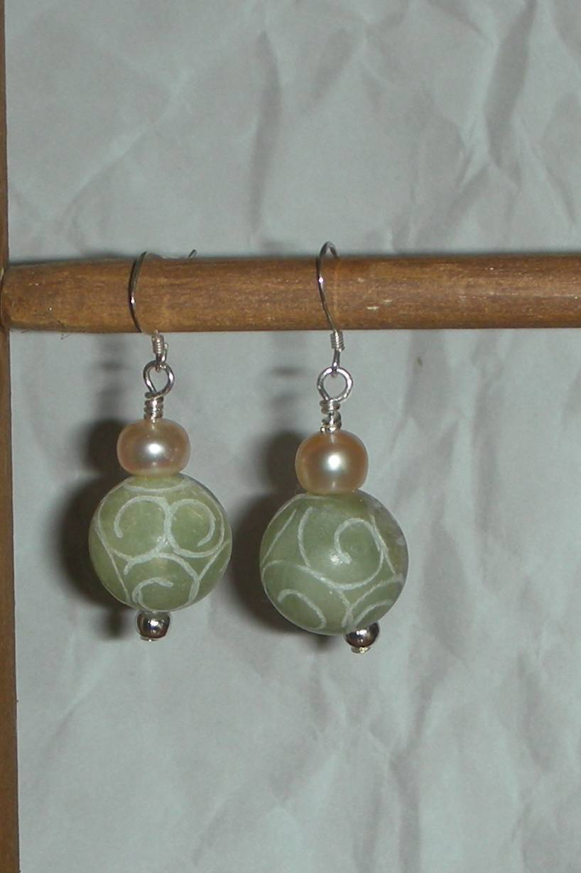 Jade carved and pearl
