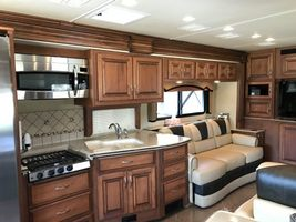 2013 Fleetwood Discovery 40X w/3 Slides For Sale In FRONT ROYAL, VA 22630 image 3