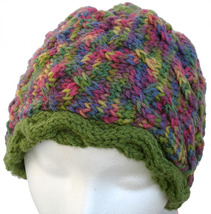 Purple and green multicolor hand knit hat - €21,18 EUR