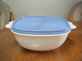Tupperware Large 13 cup White Bowl with Blue push top Blue Servalier Lid... - $12.50