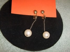 Vintage Earrings Clip On Goldtone Faux Pearl Da... - $8.15