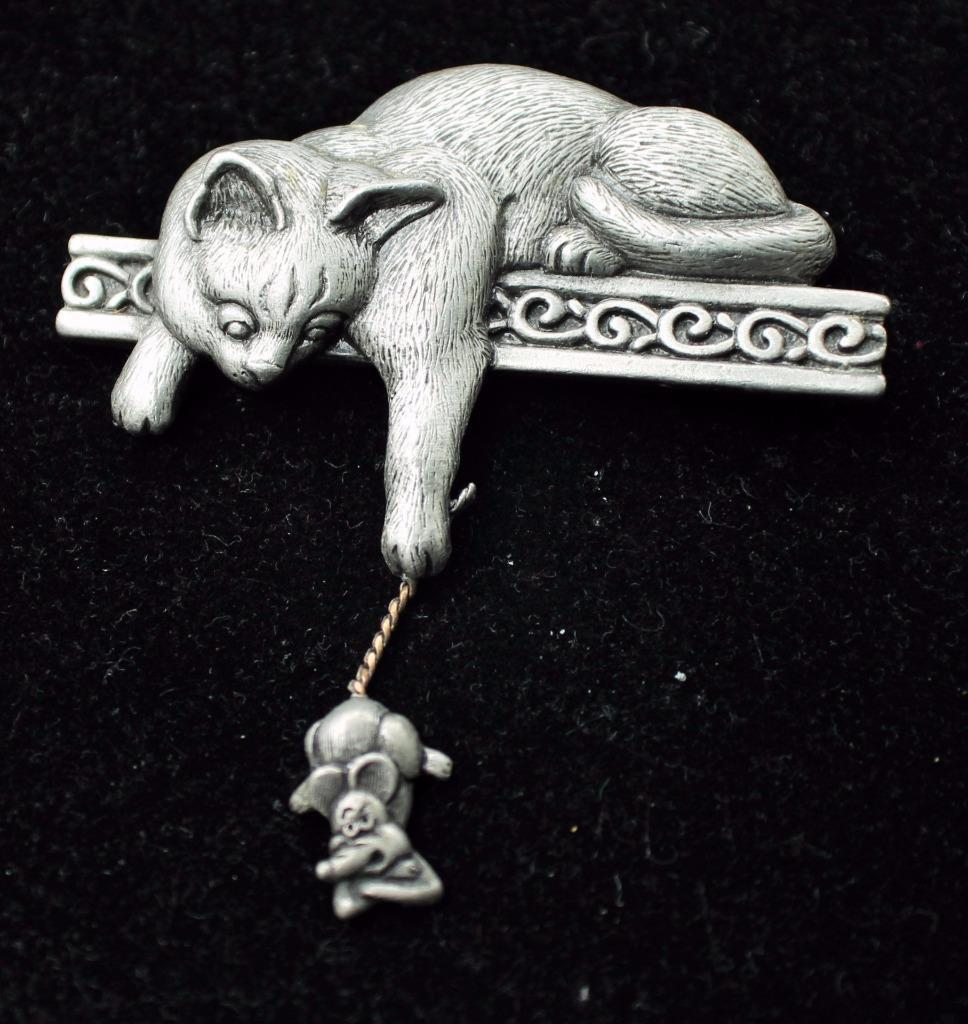 CAT with Dangling MOUSE Pewter-tone Brooch Pin -signed JJ -Vintage -2 1/2 inches