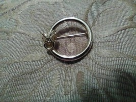 Vintage Golden Pin Brooch Lions Head Accent Circle Pin Or Scarf Pin - $18.00