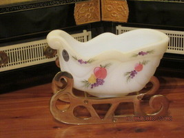 Fenton Art Glass 2003 Della Robia White Opal Satin Hp Sleigh Mib - $80.00