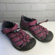 Big Kids Girls' Pink KEEN Newport H2 Waterproof Sandals, Size 2 - $18.81