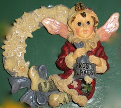 """Boyds Collectible Folkwear Xmas Pin """"Kristabell With Frosty Wreath 1995 Perfect! - $4.25"""