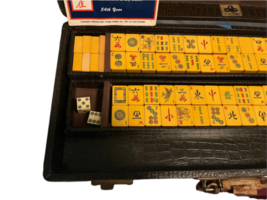 Vintage Butterscotch Bakelite Mah Jongg Set MET Games Perching Parrot USA Made image 4