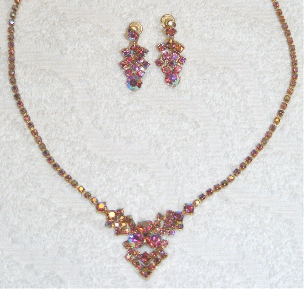 Primary image for TAYLOR-MAID PINK IRIDESCENT ROUND CUT NECKLACE SCREW BACK EARRINGS SET EUC