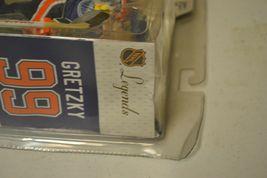 2005 McFarlane NHL Legends Series 2 Wayne Gretzky #99 Edmonton Oilers Figure image 4