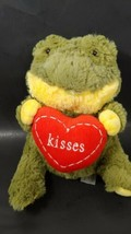Animal Adventure Plush 2017 green yellow frog holding red heart Kisses - $4.94