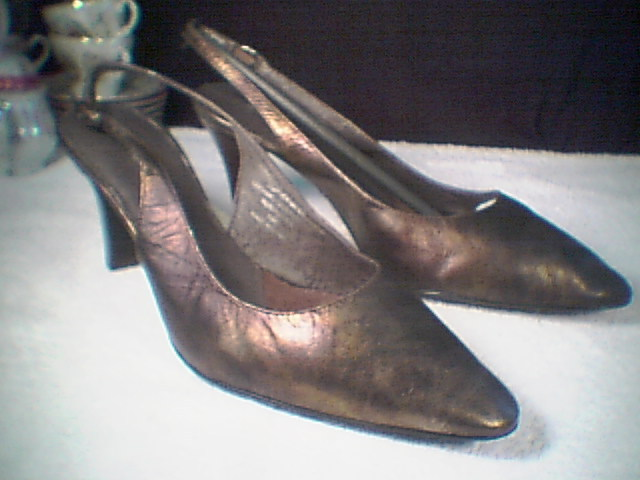 eafa426cb96 Divid Tate Womens Pumps~~Nib~~Size 9.5 and 50 similar items