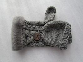 UGG 1 Glove Knit Shearling Cuff Pop Top Bailey Button 1 Mitten Only NEW - $25.00
