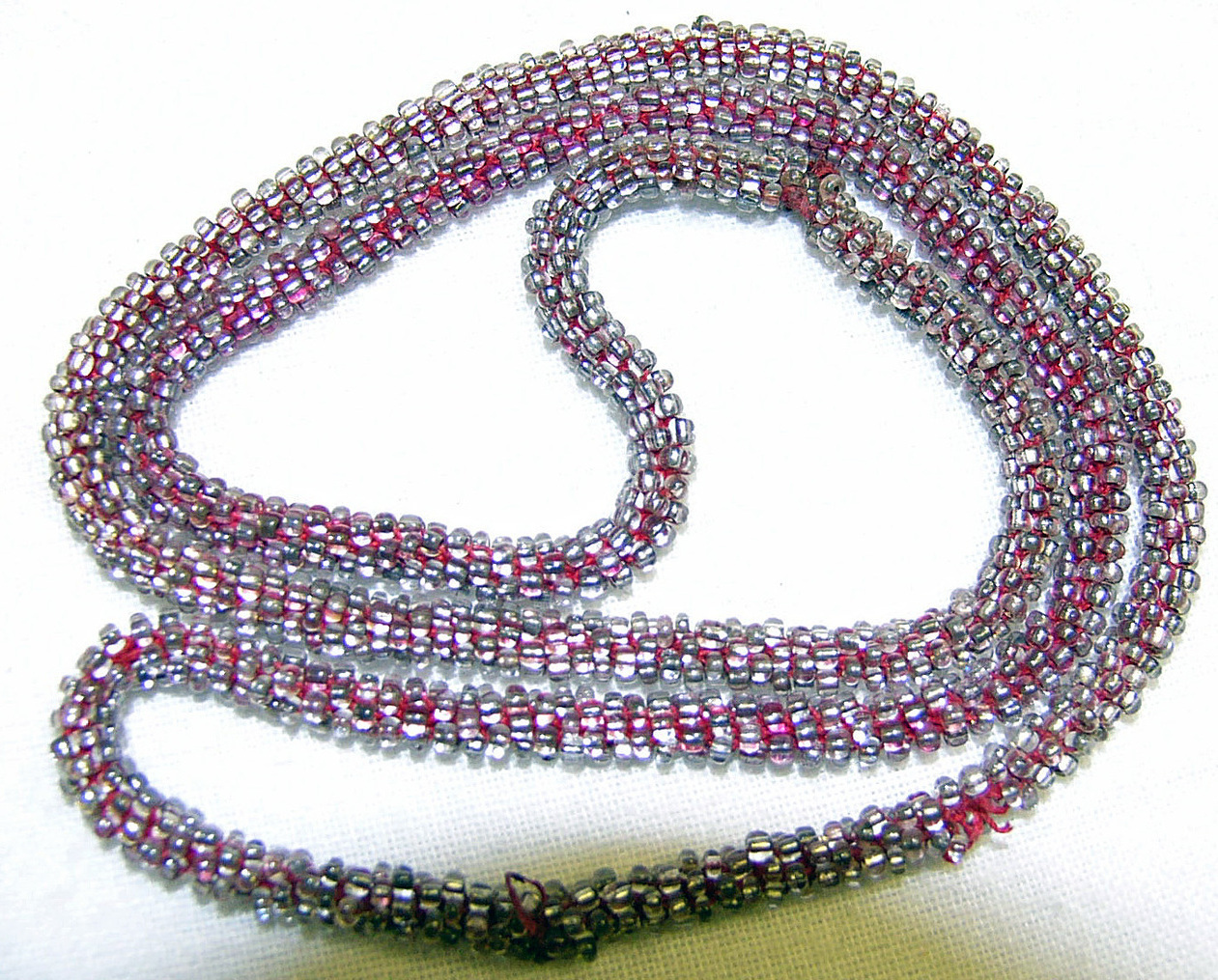 Red beaded necklace1