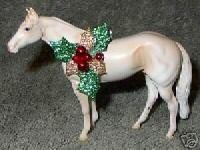 CM Peter Stone Chips Horse Creamello Christmas Ornament
