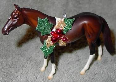 CM Peter Stone Chips Horse Paint Pinto Tobiano Ornament