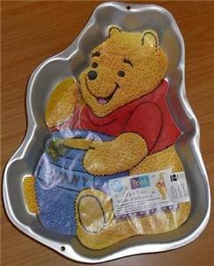 1995 Wilton Pooh Bear with Hunny Honey Pot Cake Pan