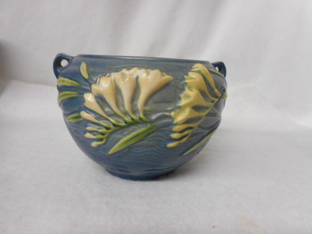 Vintage Roseville Pottery Two Handled Blue Freesia Jardinere USA 669-4""