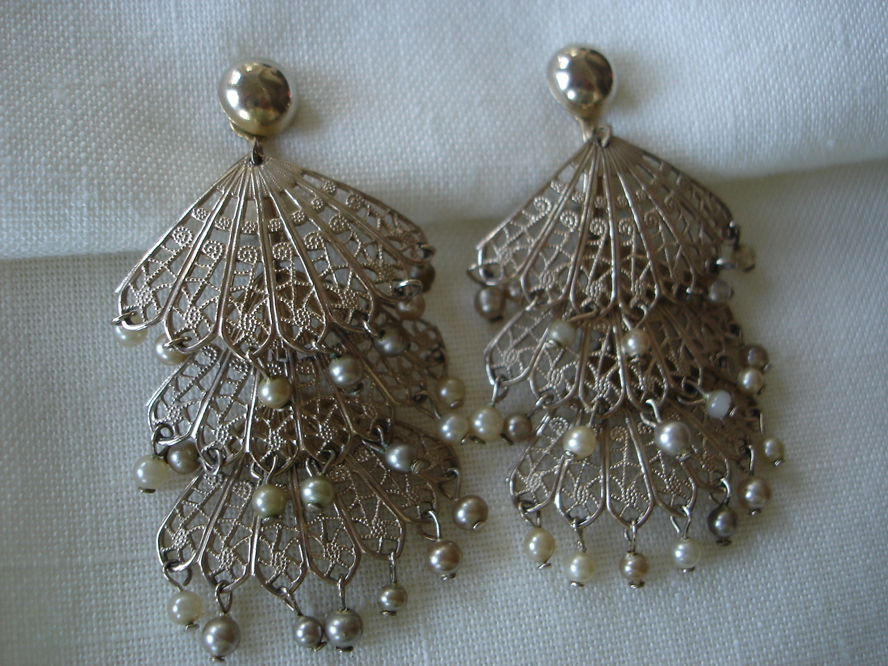 Vintage Goldtone 3 Tier Fans, Sim Pearls Clip Earrings