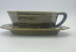 Vintage The Pfaltzgraff Pottery 156 Green Gravy Boat And Under Plate Made In USA - $14.36
