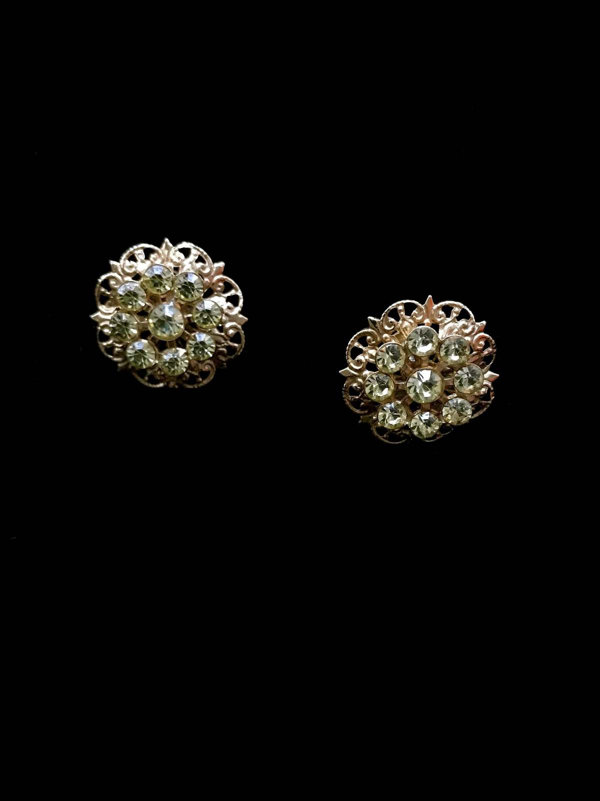 40s Peridot Light Green Crystal Glass Golden Filigree Flower Screw Back Earrings