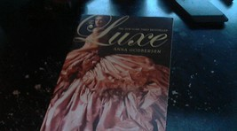 The Luxe By Anna Godbersen (2007 Paperback) - $5.00