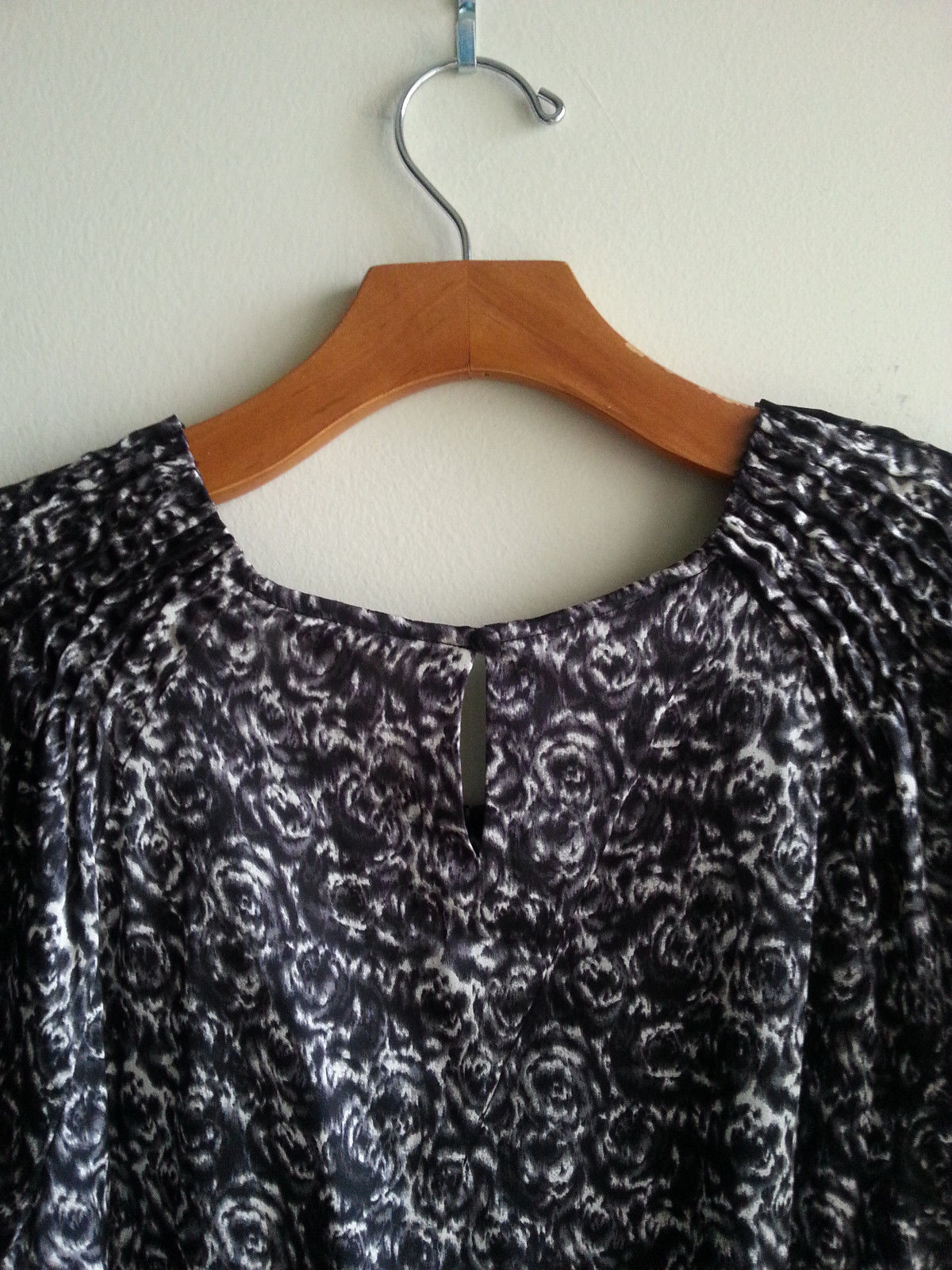 3212a0b023758a Banana Republic Silk Top Blouse Black White and 50 similar items