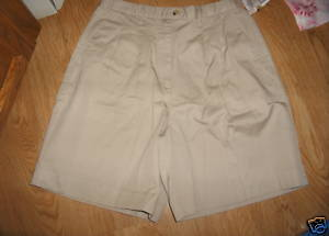 Ladies basic editions Cotton Twill Shorts Size 10 Pleated Wide Leg Beige New