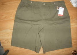 Ladies Faded Glory Bermuda uniform green Low Rise Pleated shorts Size 16... - $9.99