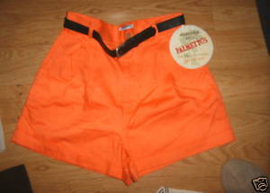 Ladies Tangerine orange Palmetto Front Pleat Cuff shorts Size 9 NEW Black Belt