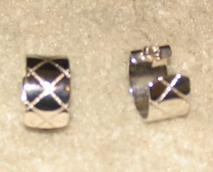 Vintage Costume Jewelry Silvertone Hoop Pierced Earrings