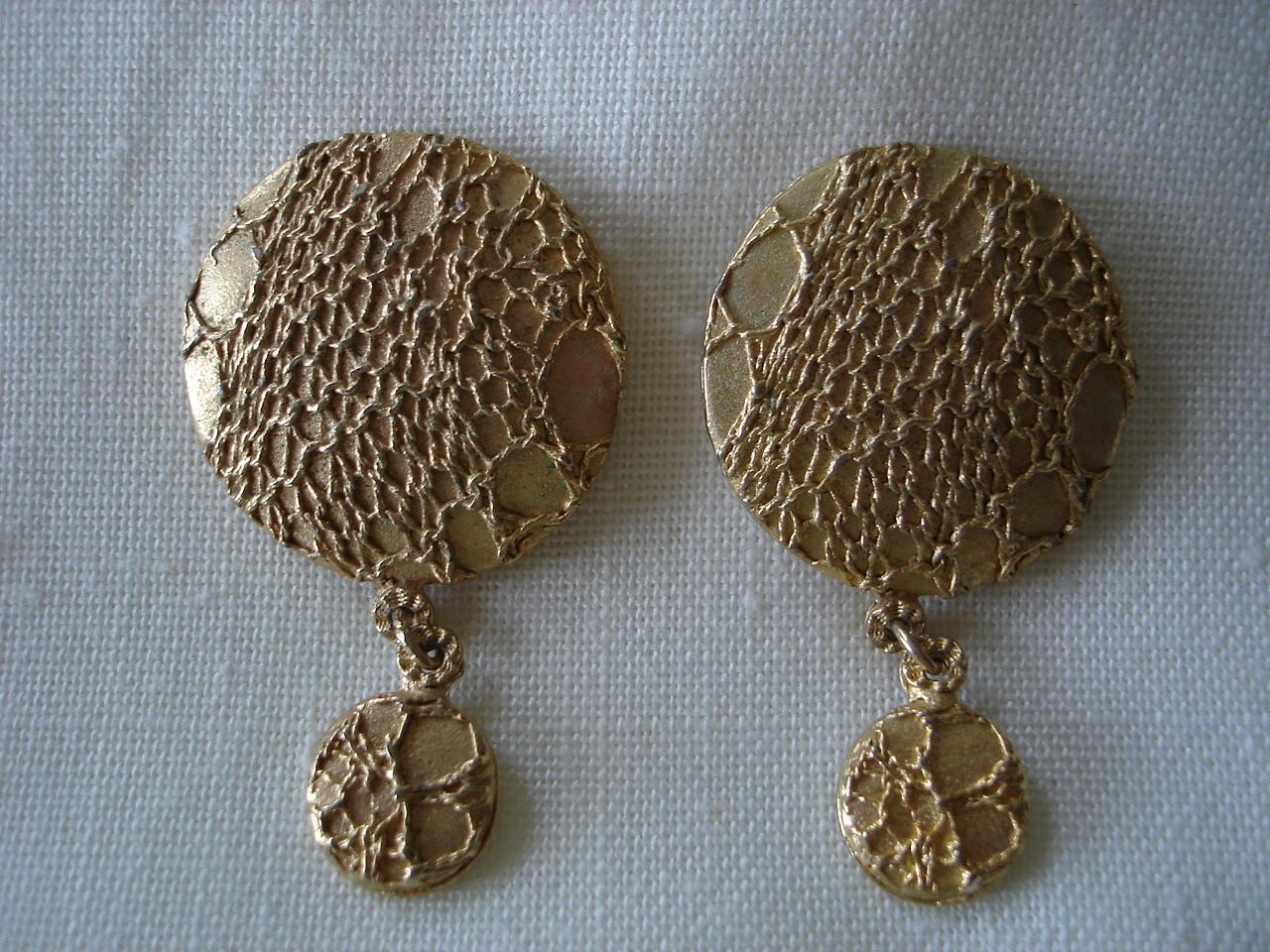 Vintage Ultra Craft Net Design Disk, Dangle Pierce Earrings