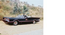 Batman Batmobile Adam West Burt Ward Vintage 18X24 Color TV Memorabilia Photo - $34.95