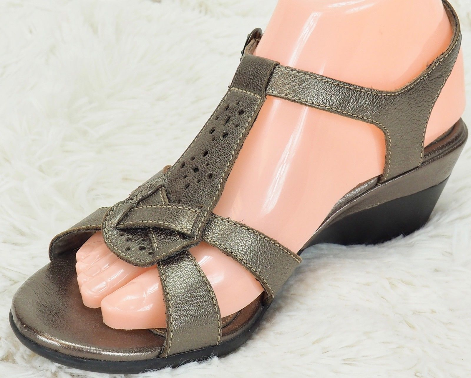 f1b0438947e92 57. 57. Previous. Clarks Leather Sandals 81280 Bronze Gold Buckle Womens US  size 7.5 2