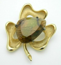 BSK Gold Tone Faceted Topaz Glass Brushed Shamrock Clover Brooch Pin Vin... - $22.76