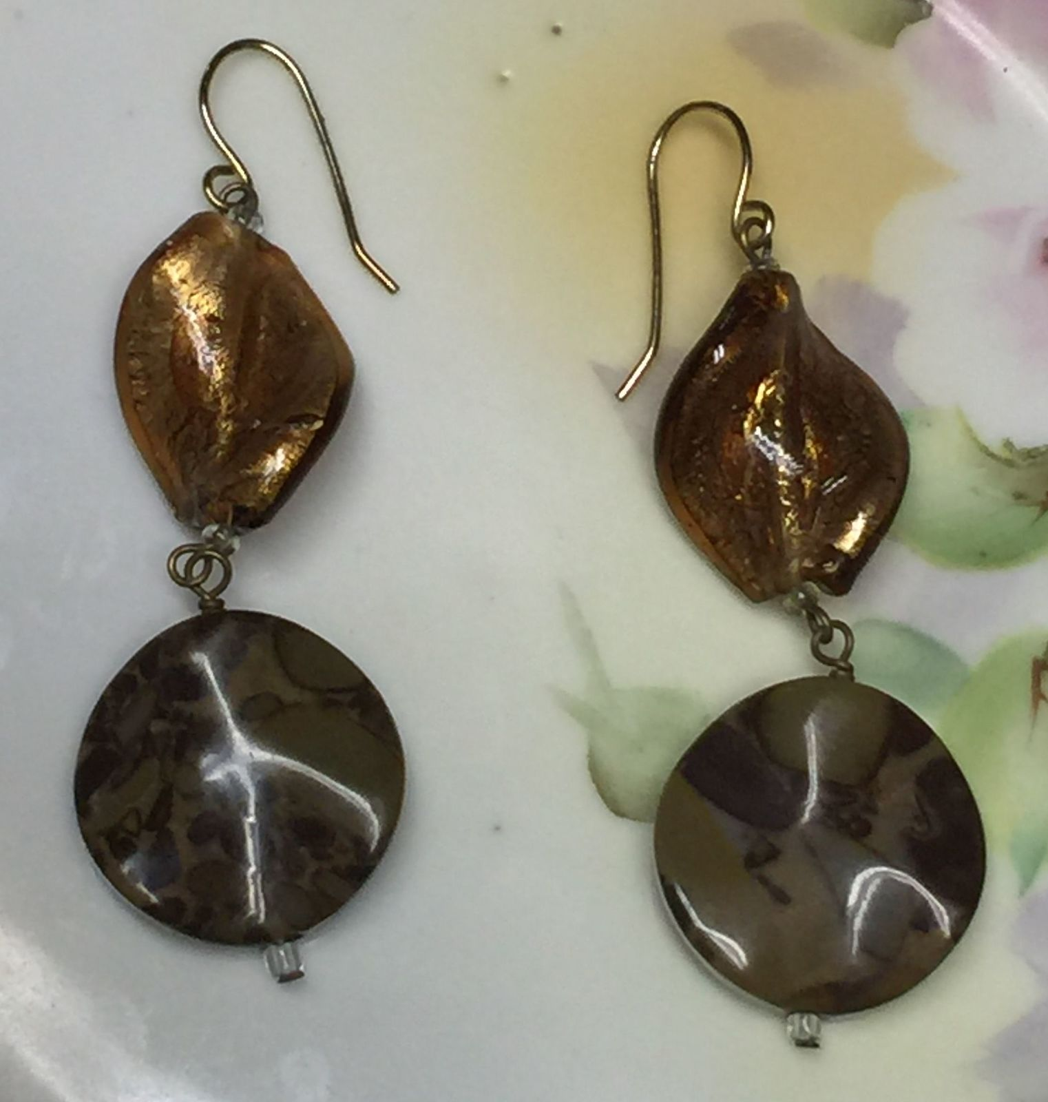 VTG Gold Metallic Brown Marble Look Plastic Beads Long Dangling Pierced Earrings image 2