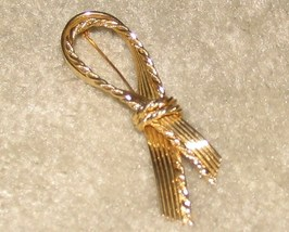 Vintage Goldtone Bow Pin - $5.95