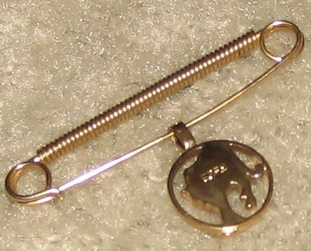 Vintage Goldtone Safety Pin with Dangling Big Cat Charm