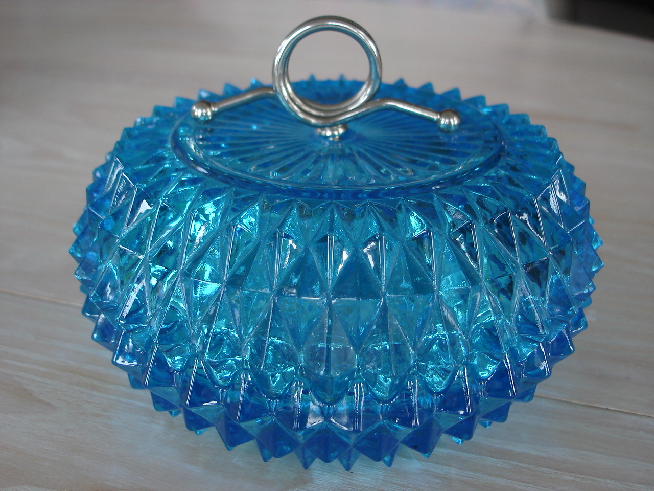 Vintage Indiana Blue Topaz Covered Candy Dish, Steel Loop Ha