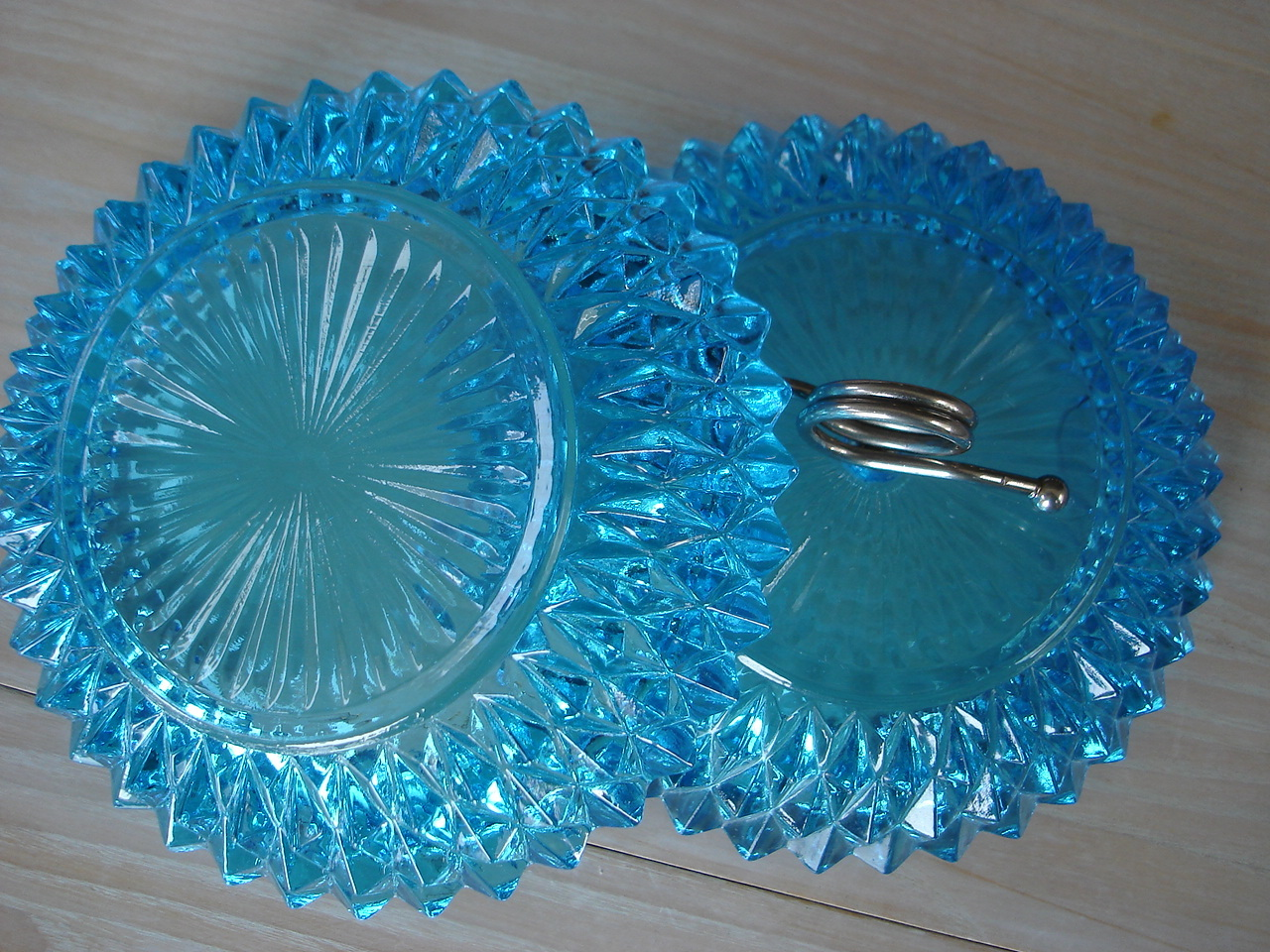 Vintage Indiana Blue Topaz Covered Candy Dish, Steel Loop Ha