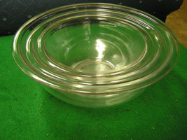 Great Nest Of 3 Pyrex Mixing Bowls....... - $13.57