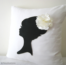 Handmade Wedding Gift. Elegant Cameo White And Black Pillow Cover. Brida... - $39.90