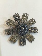 Vintage Brooch Pin Black Onyx Rhinestone Faux Pearls Flower Cluster - $11.66