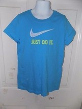 Nike Just Do It Light Blue T-SHIRT Size M Girl's Euc Free Usa Shipping - $19.99